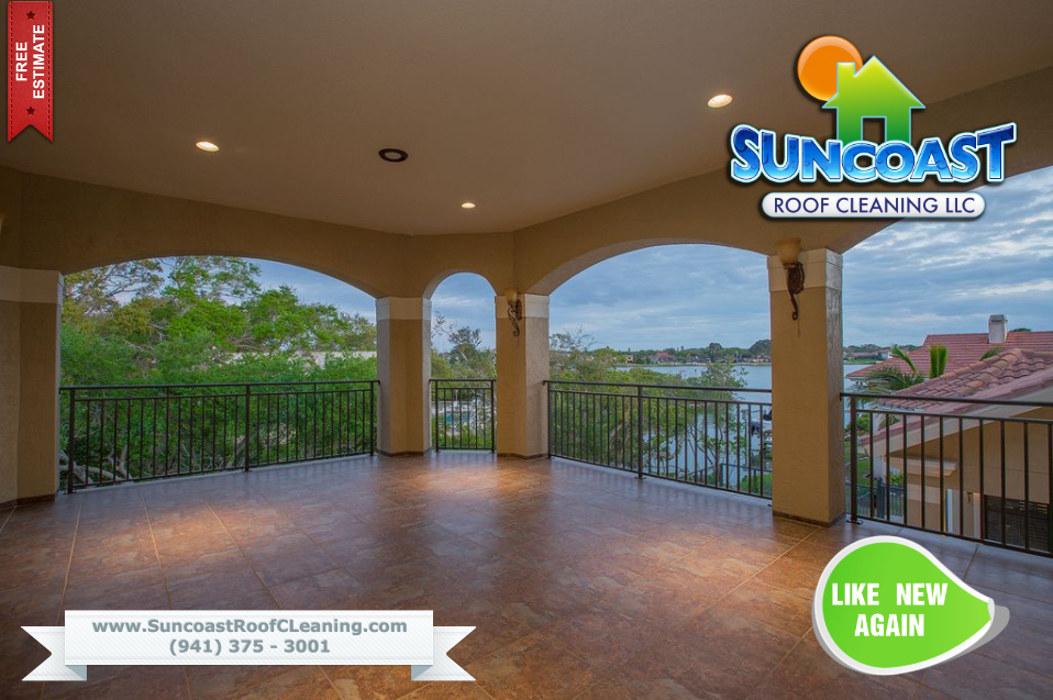 House wash by Suncoast Roof Cleaning in Sarasota